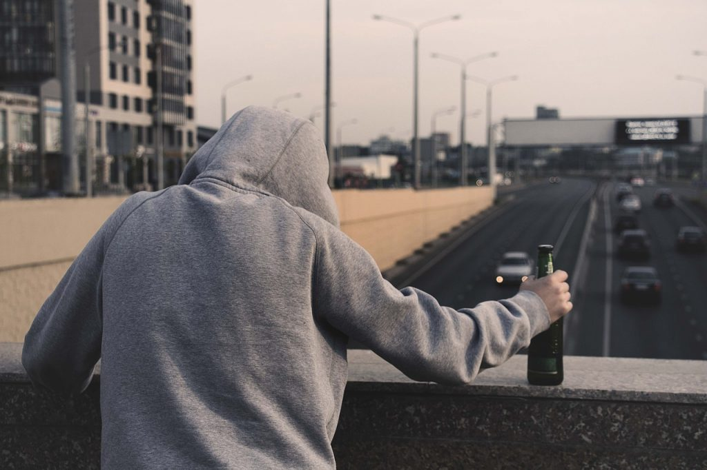 Adicción al alcohol - Alcoholismo - Centro de desintoxicación en Madrid - Metta Alpha - MettaAlpha - Centro de desintoxicación - Método Alpha