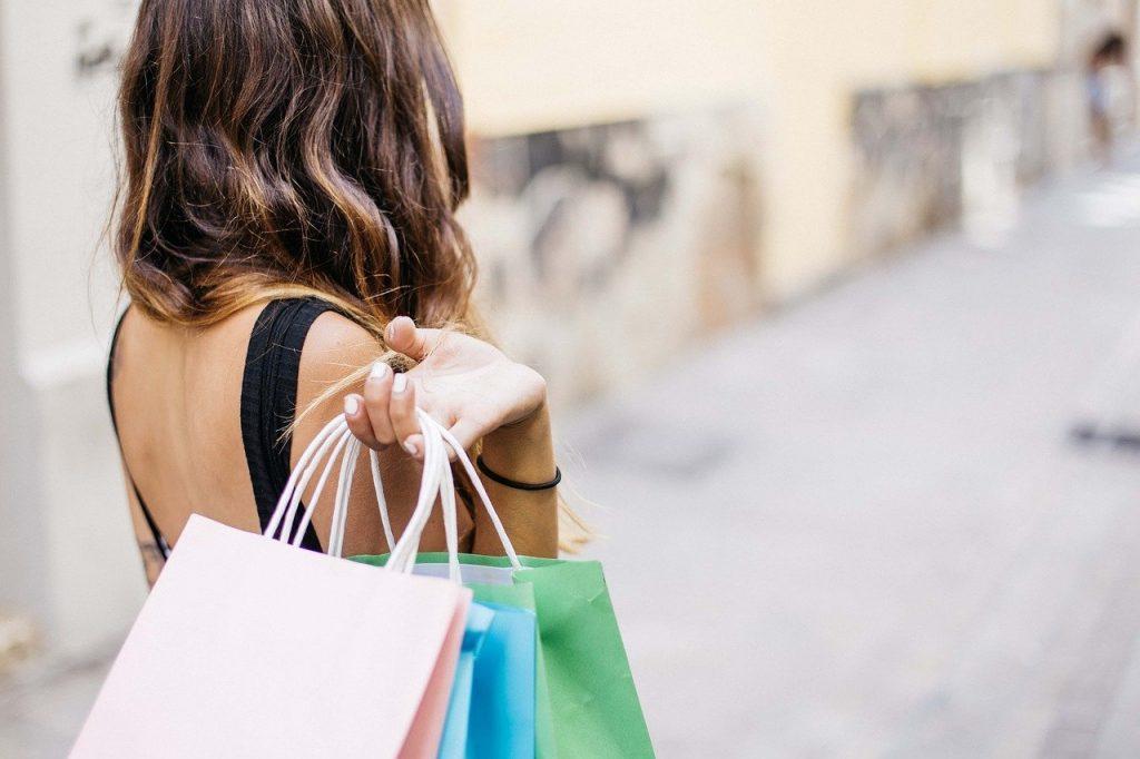 Compras - Adicción a las compras - Centro de desintoxicación en Madrid - Metta Alpha - MettaAlpha - Centro de desintoxicación - Método Alpha - Rebajas